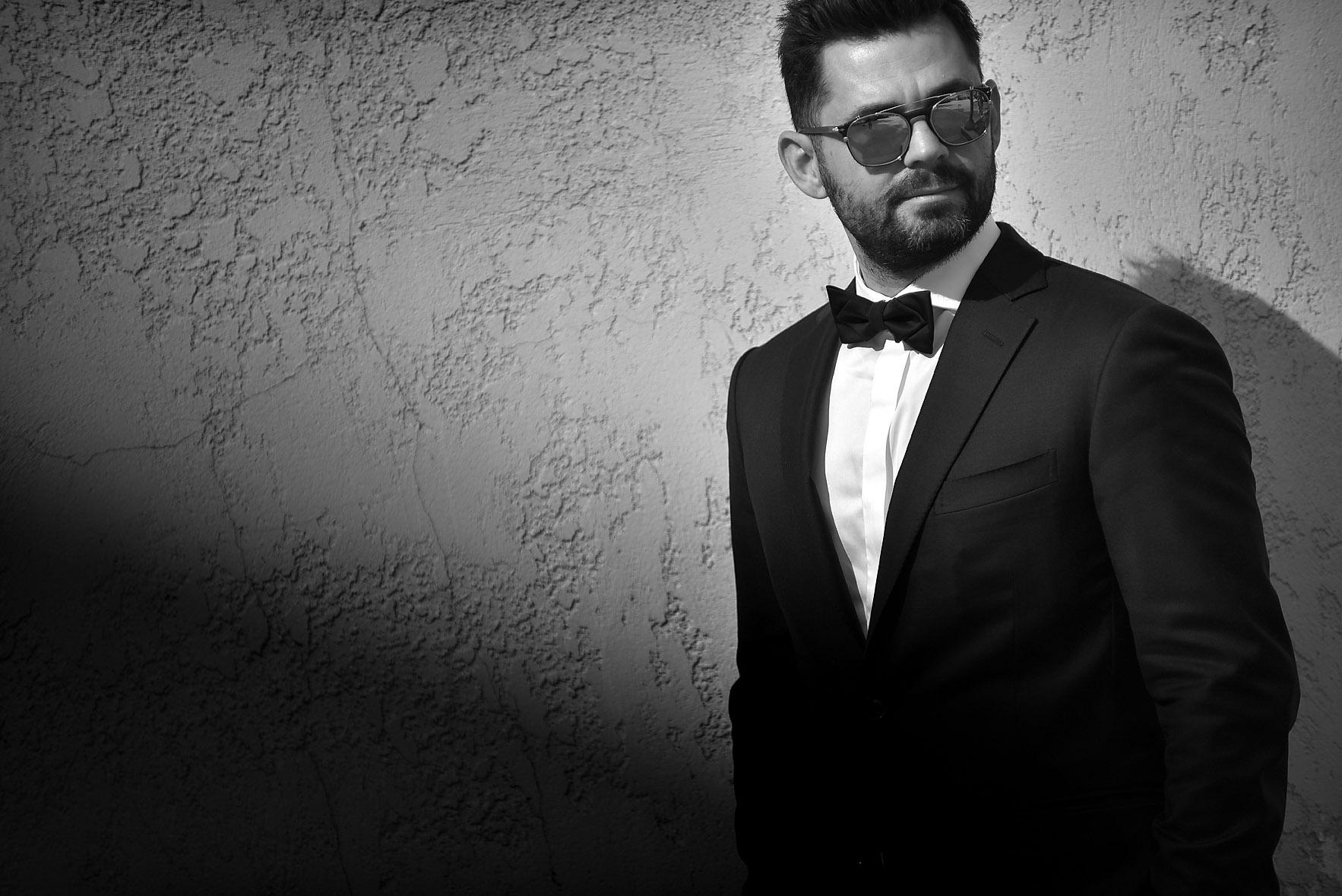 groom-portrait-wedding-hotel-Cavo-Olympo-02