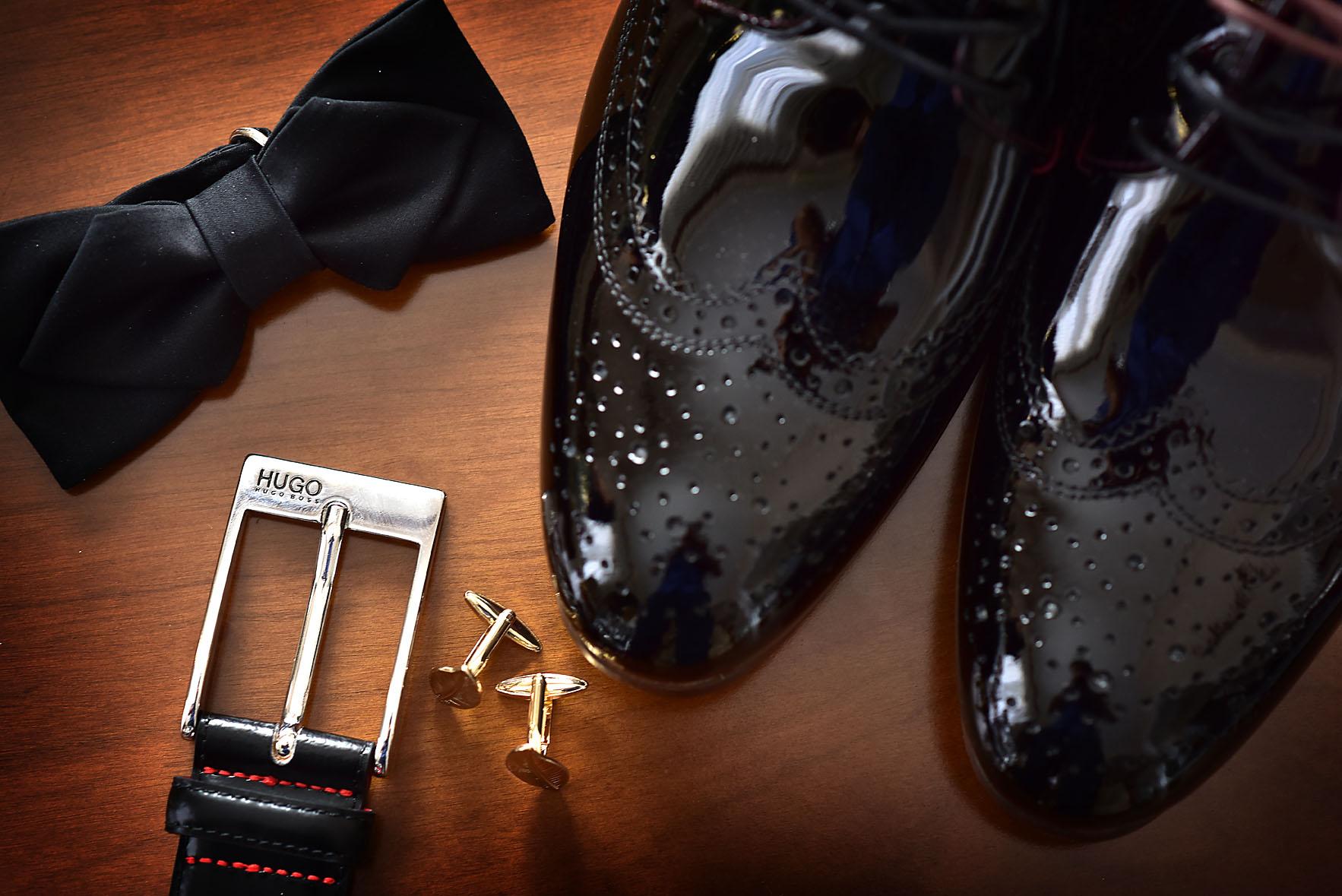 groom-shoes-preparation-son-father-wedding-dress-larissa-alexis-koumaditis-photography