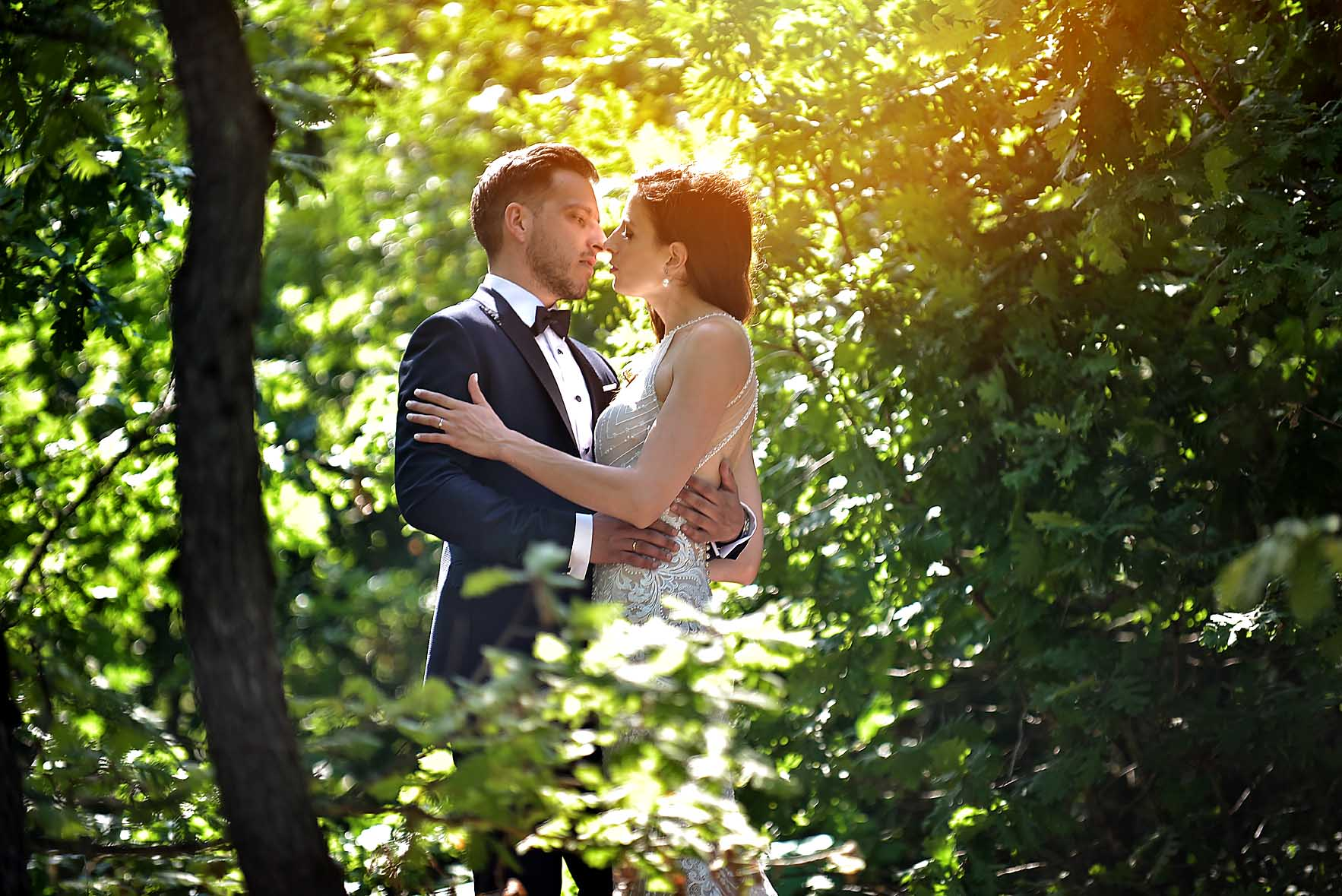 wedding-limni-plastira-hotel-kazarma-wedding-karditsa-sunlight