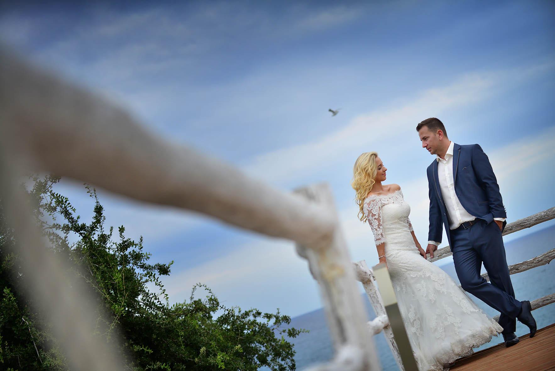 bride-groom-sea-Cavo-Olympo-Luxury-Hotel-01