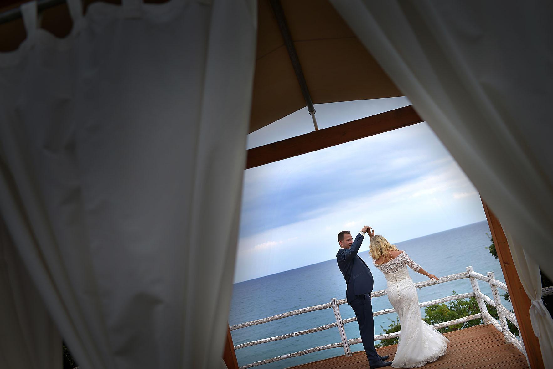 bride-groom-sea-Cavo-Olympo-Luxury-Hotel-01111