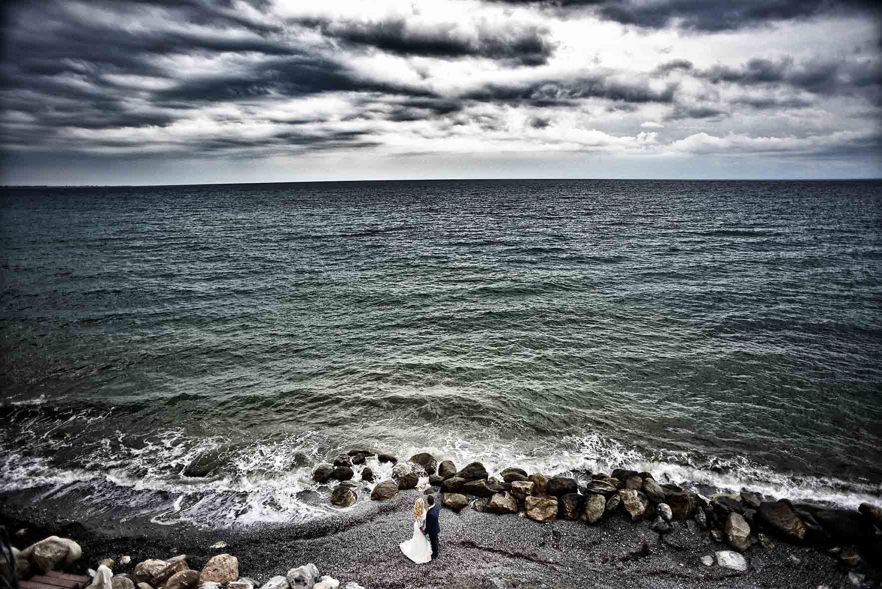 bride-groom-sea-Cavo-Olympo-Luxury-Hotel-02