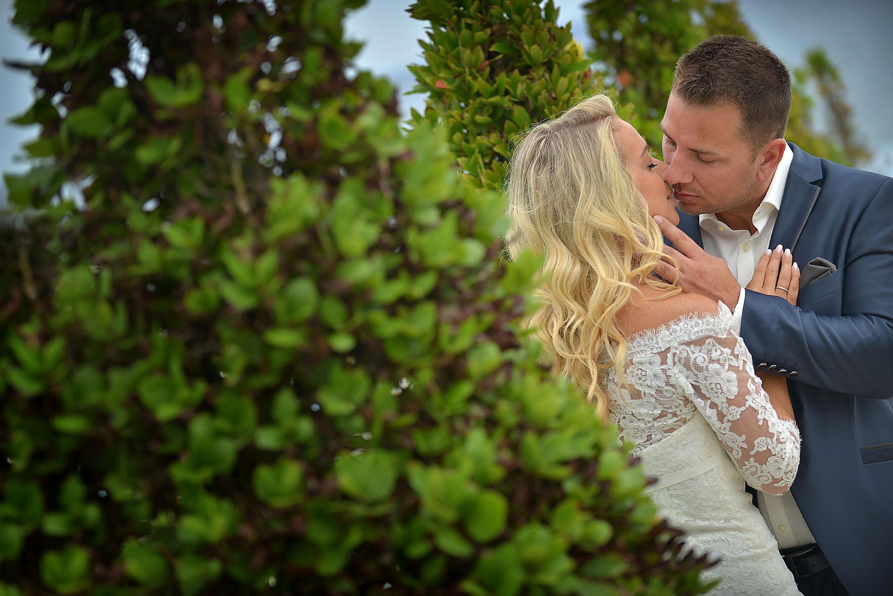 bride-groom-sea-Cavo-Olympo-Luxury-Hotel-034