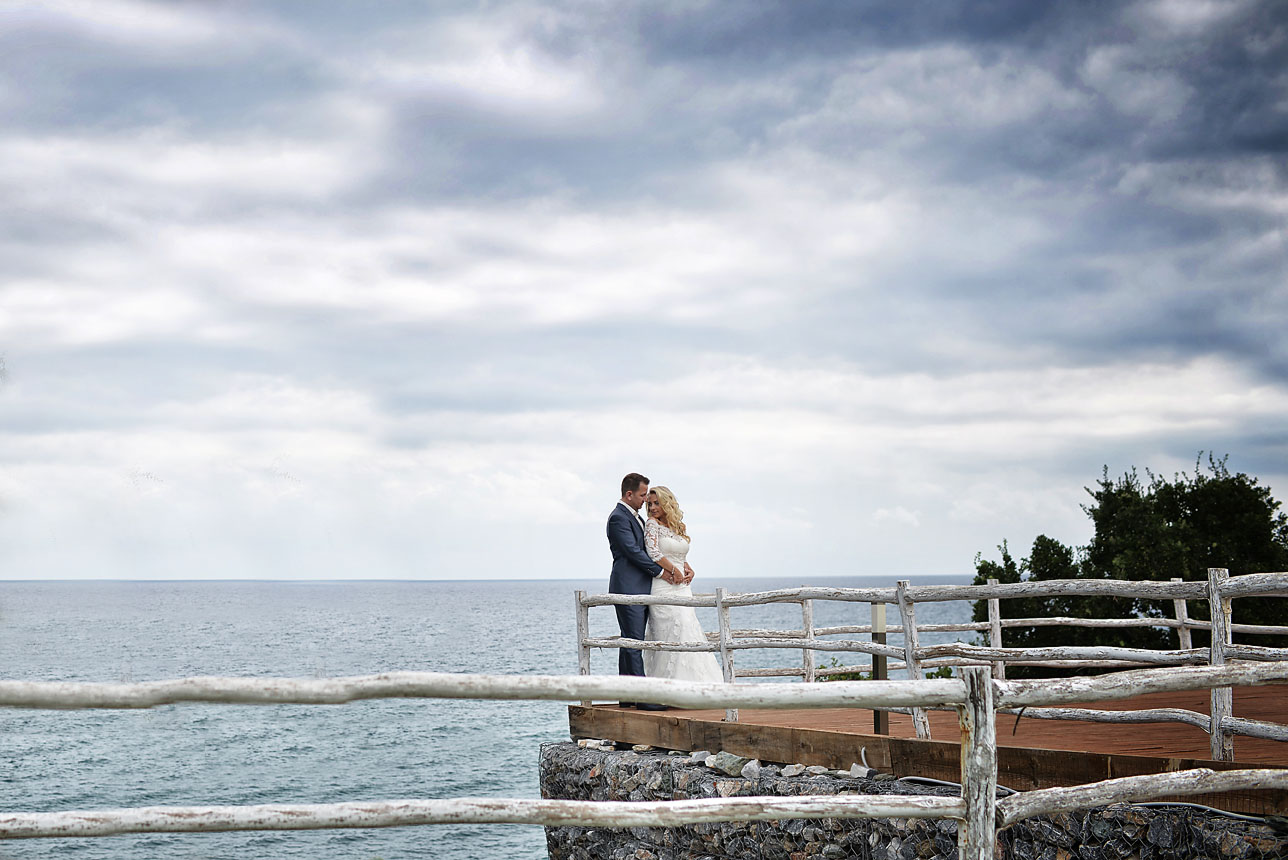 bride-groom-sea-Cavo-Olympo-Luxury-Hotel-071