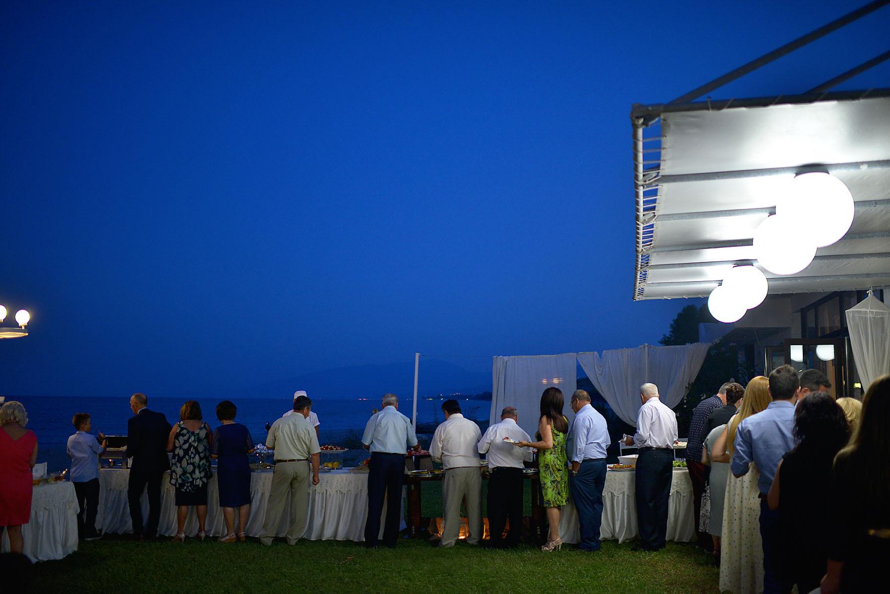 bride-groom-sea-Cavo-Olympo-Luxury-Hotel-party1