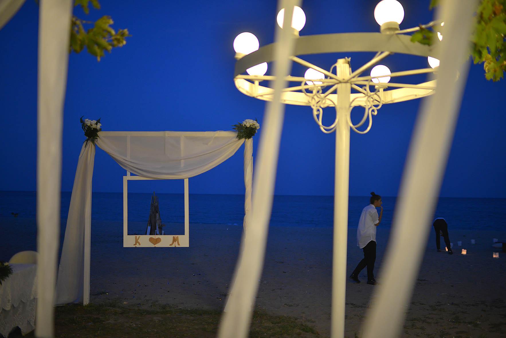bride-groom-sea-Cavo-Olympo-Luxury-Hotel-party2