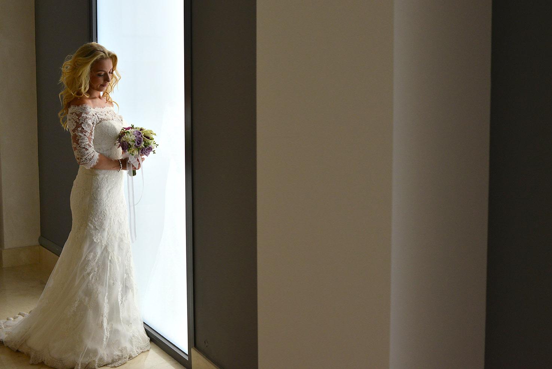 bride-portrait-weddong-dress