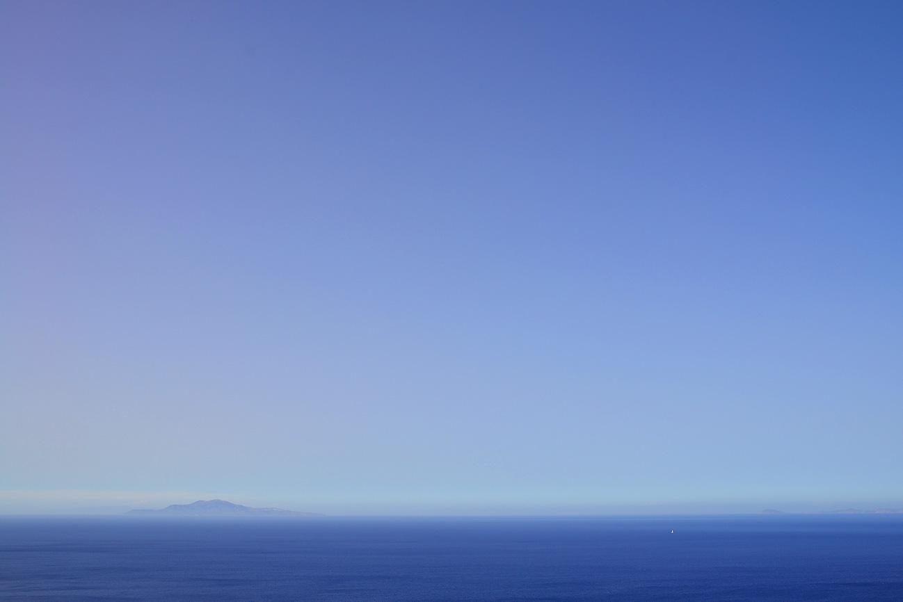 deep-blue-sea-folegandros-greece-kiklades