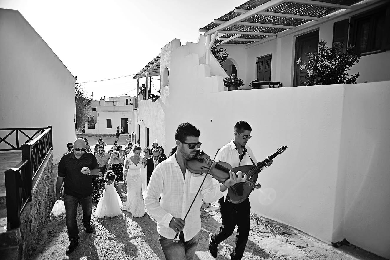 folegandros-kiklades-greece-groom-bride013