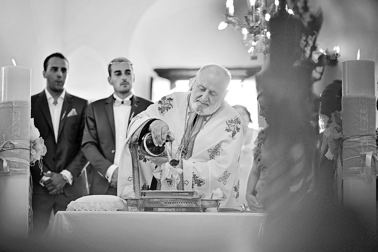 groom-bride-wedding-church-folegandros-panagia12