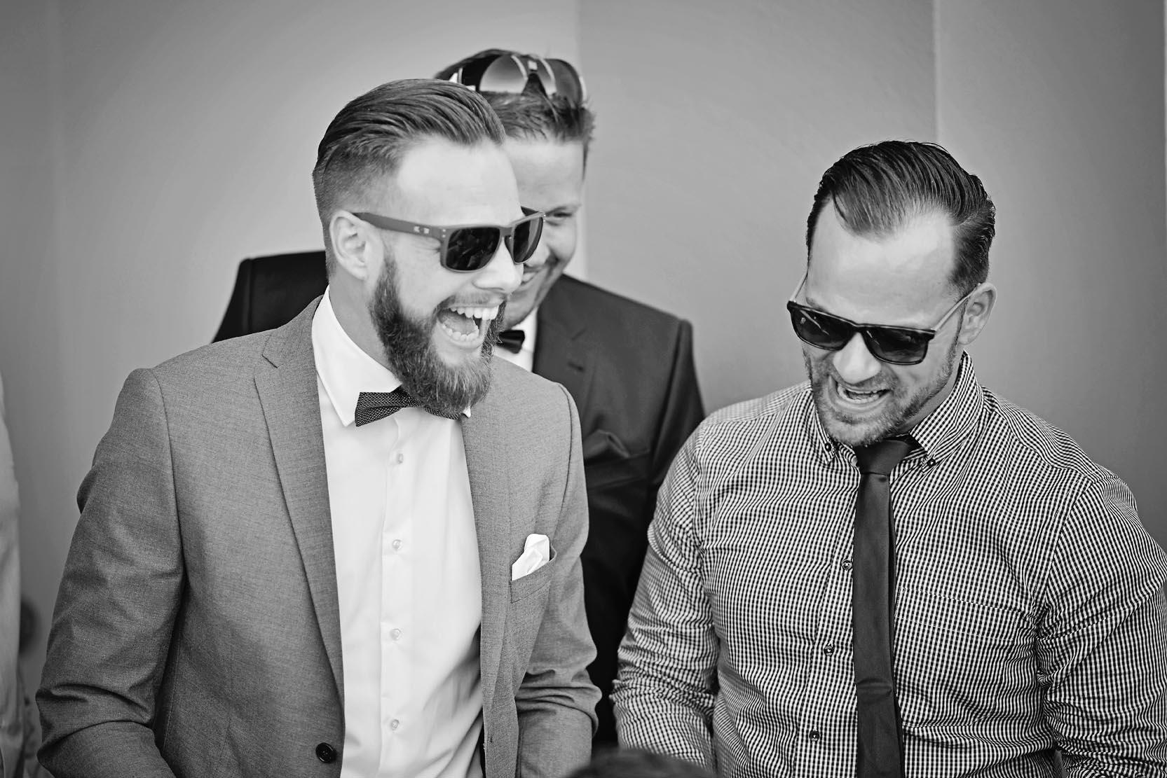 groom-friends-wedding-katerini-hotel-cavo
