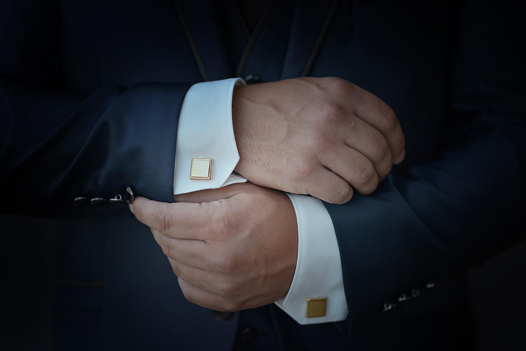 groom-preparation-details-arms