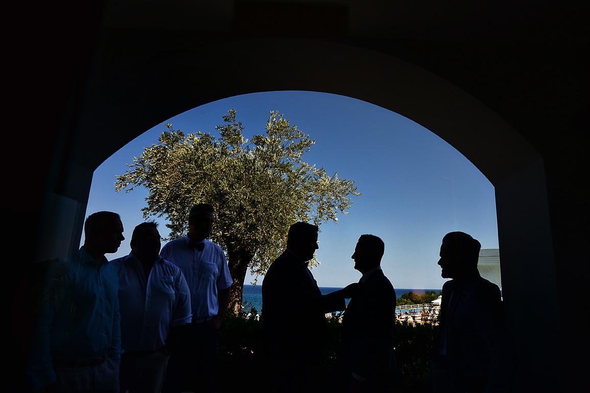 groom-preparation-gettin-ready-hotel-olympus-cavo-05