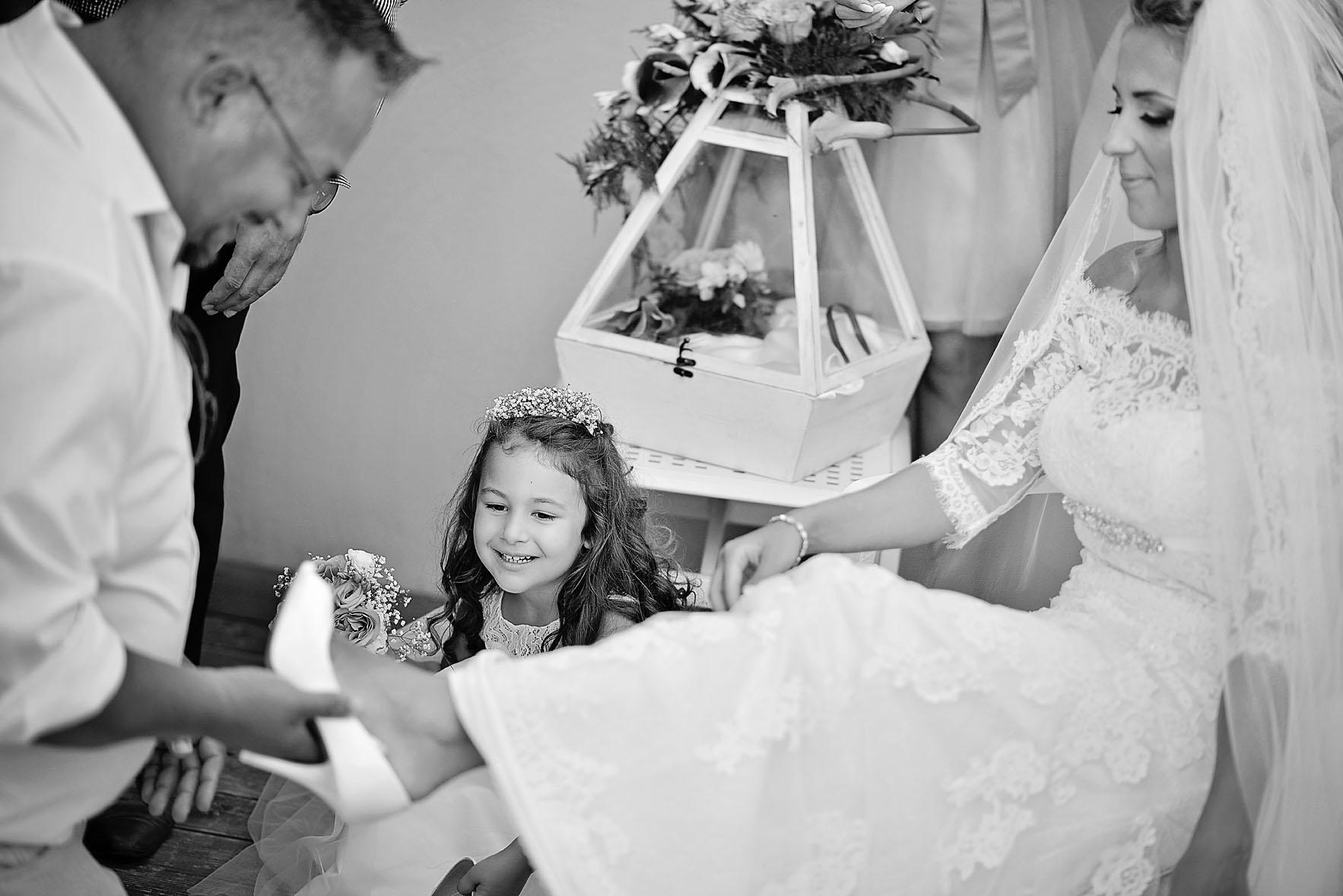 wedding-bride-preparation-hotel