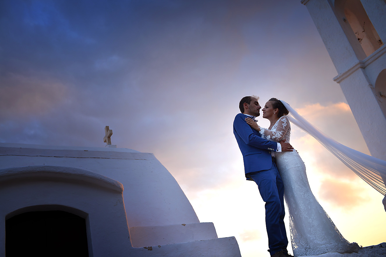 wedding-folegandros-greek-island-wind-september-dress-bride-04