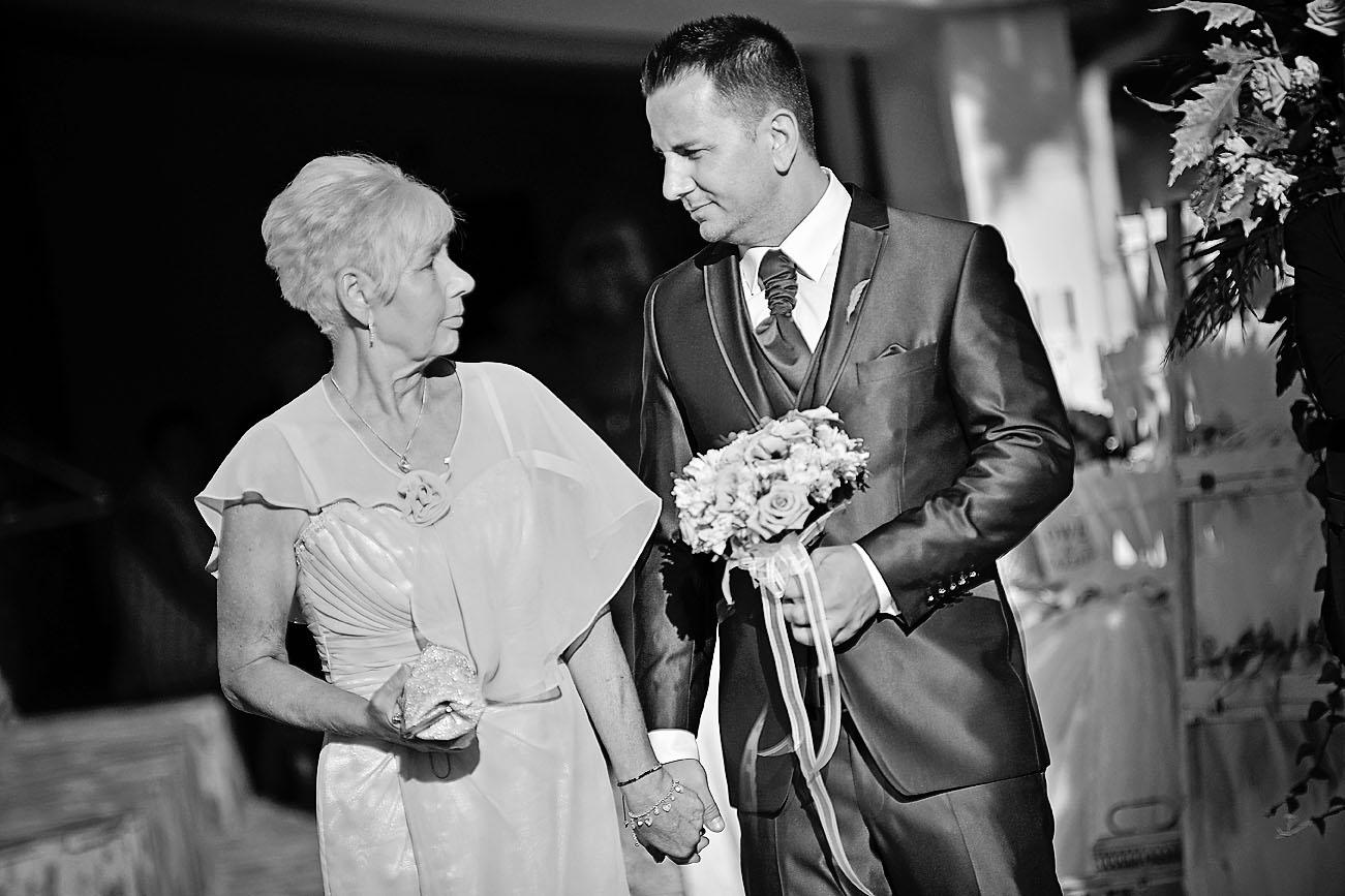 wedding-katerini-son-mother