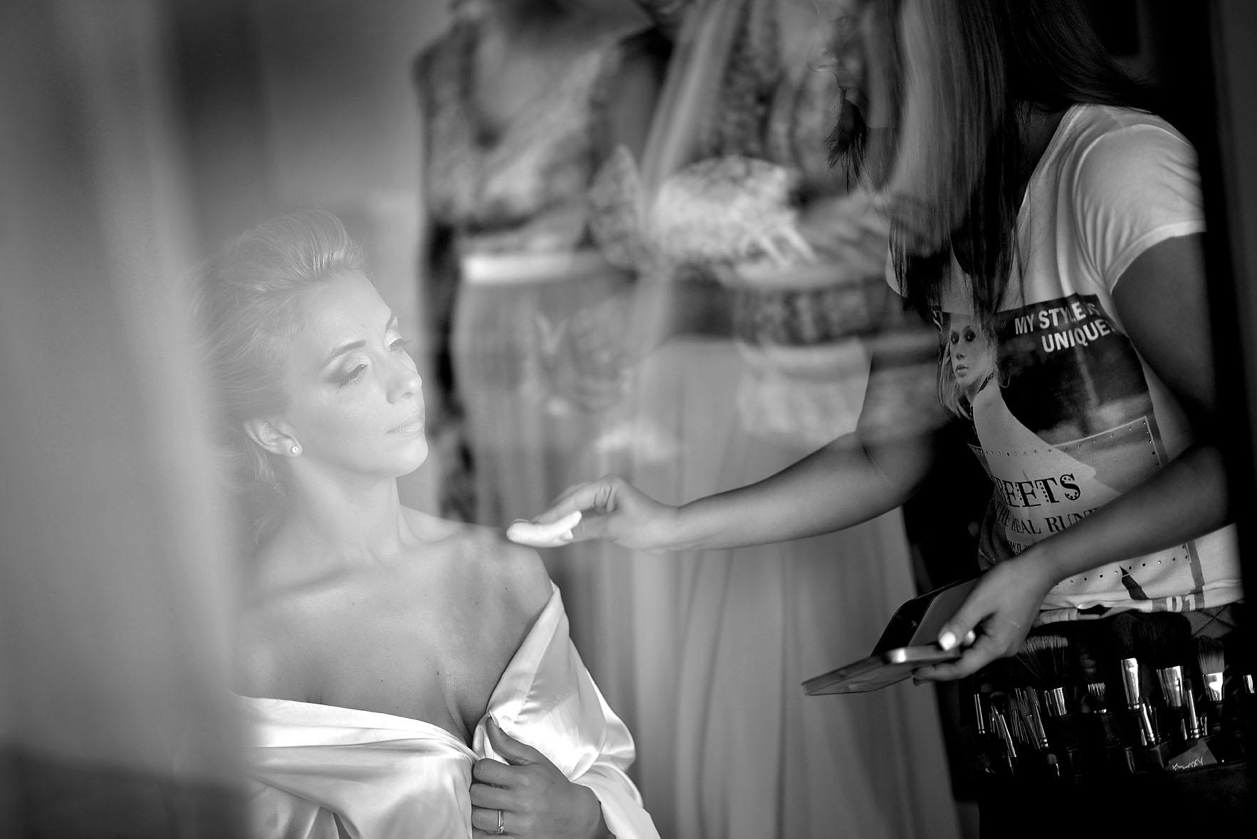 wedding-preparation-bride-hotel-cavo