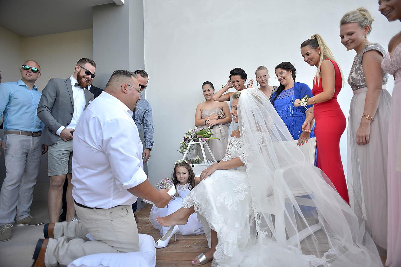 wedding-shoes-bride-hotel