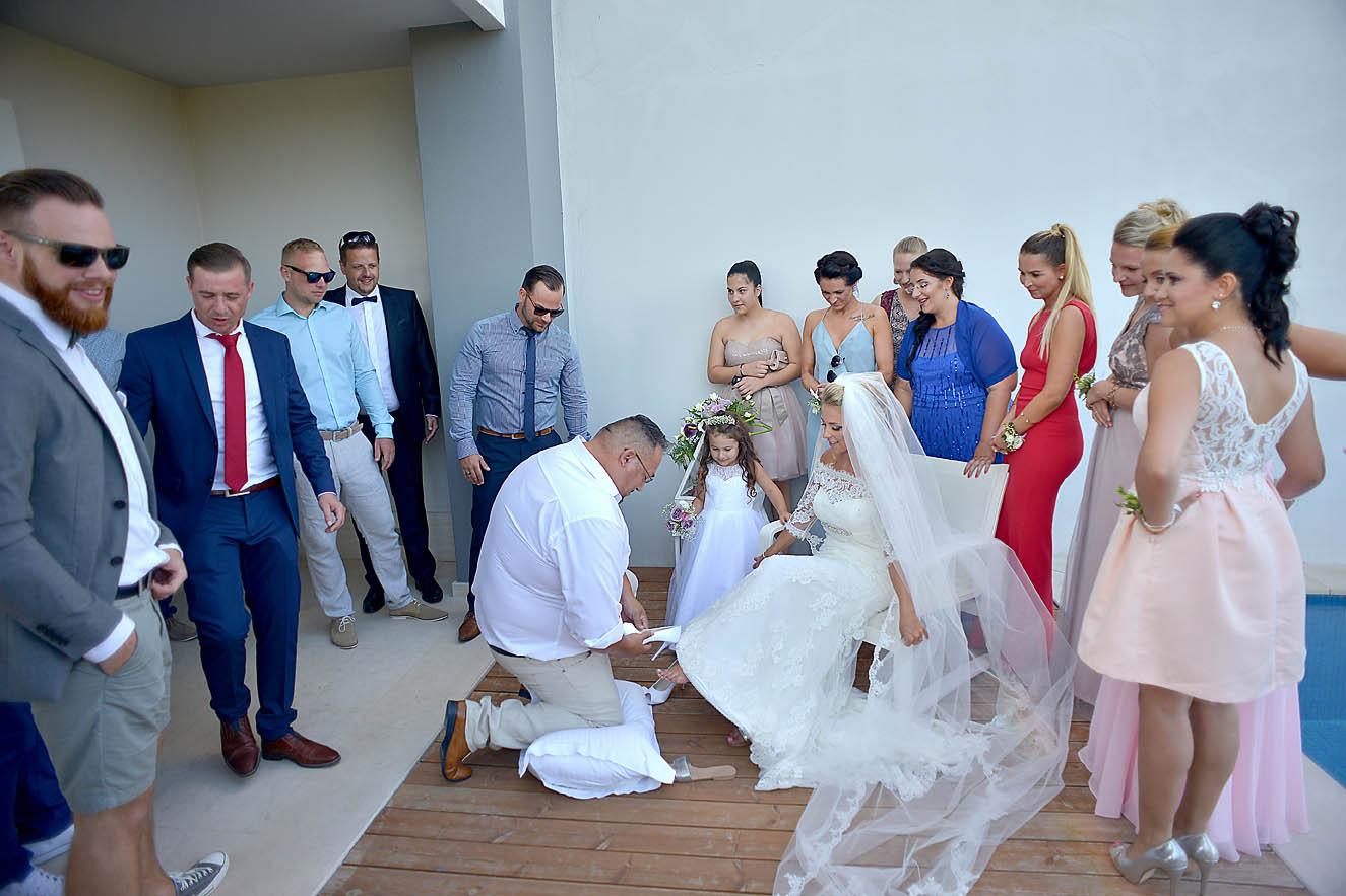wedding-shoes-bride-hotel1
