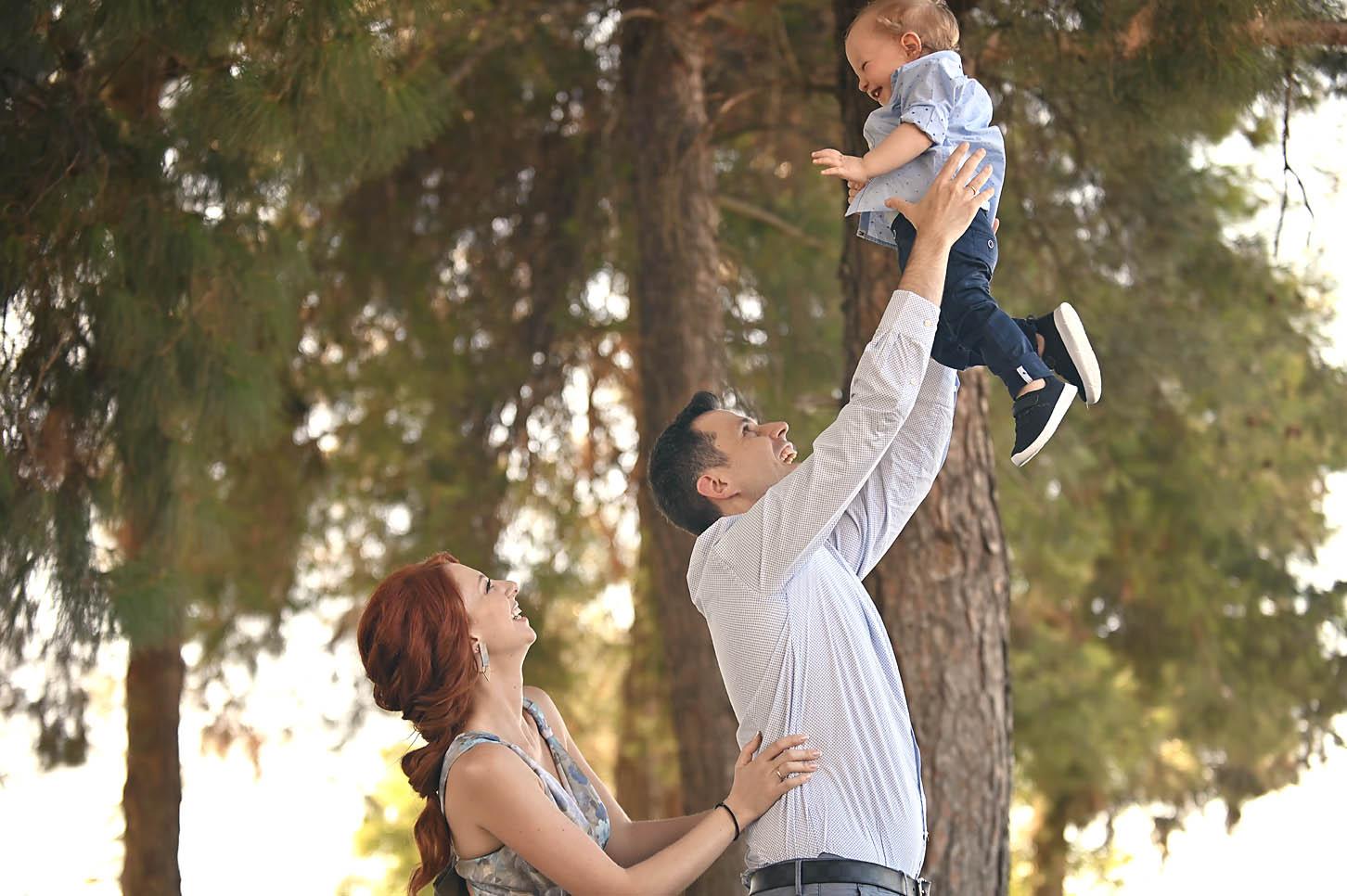 baptism- christening- family-potrtait-alexis-koumaditis-larissa