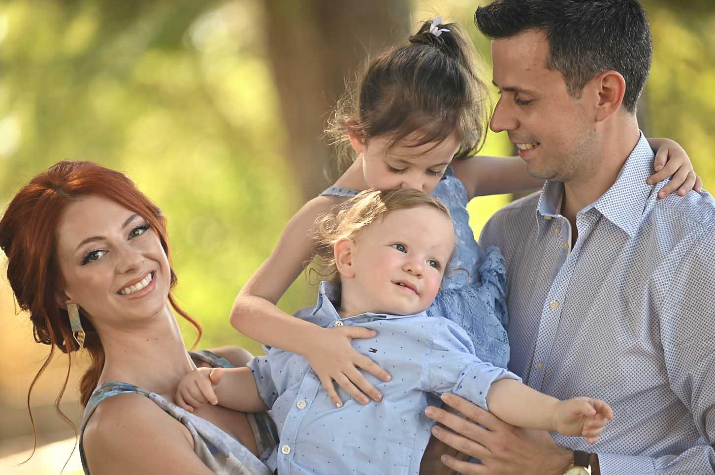 mum-son-family- cportraits-larissa -alexis-koumaditis-photography-03