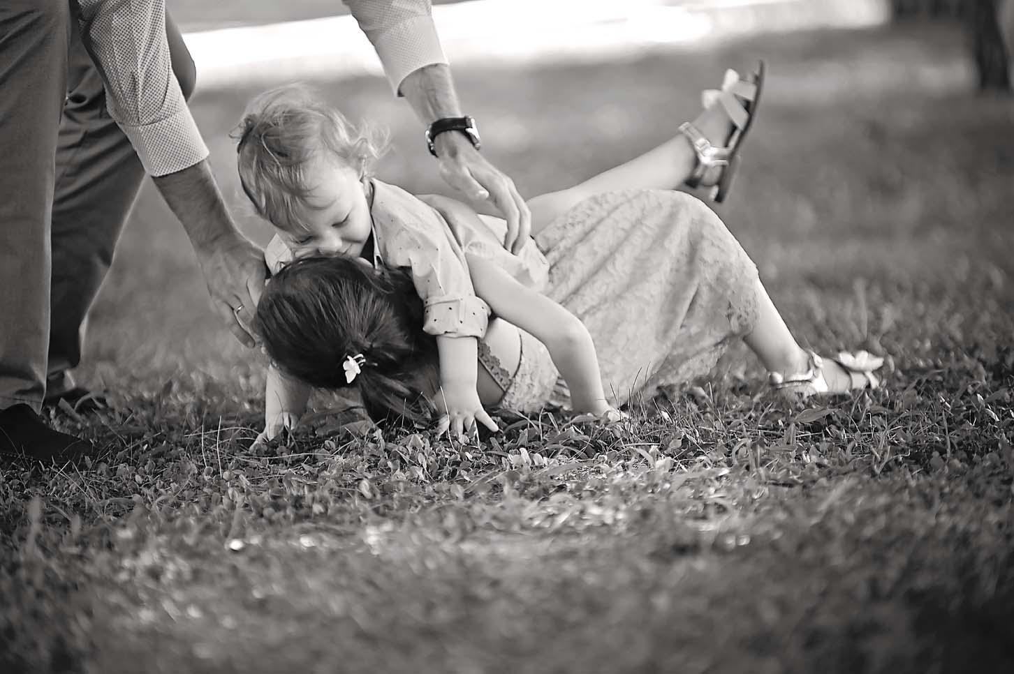 mum-son -family-portraits -l arissa-alexis-koumaditis-photography-04
