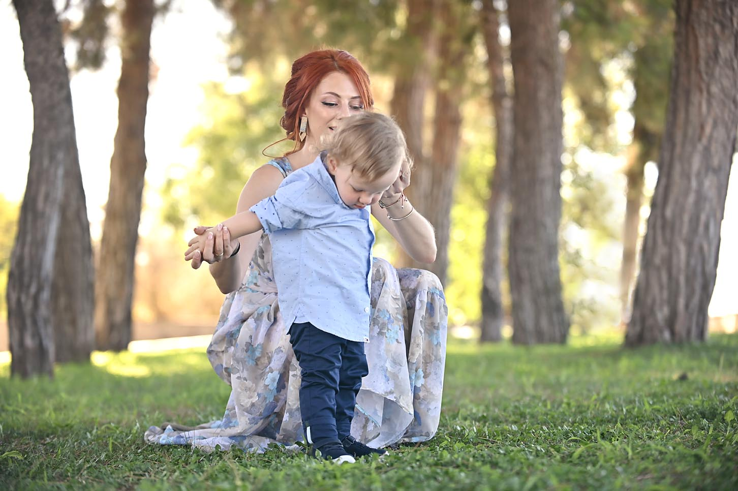 mum-son -family-portraits -larissa-alexis-koumaditis-photography